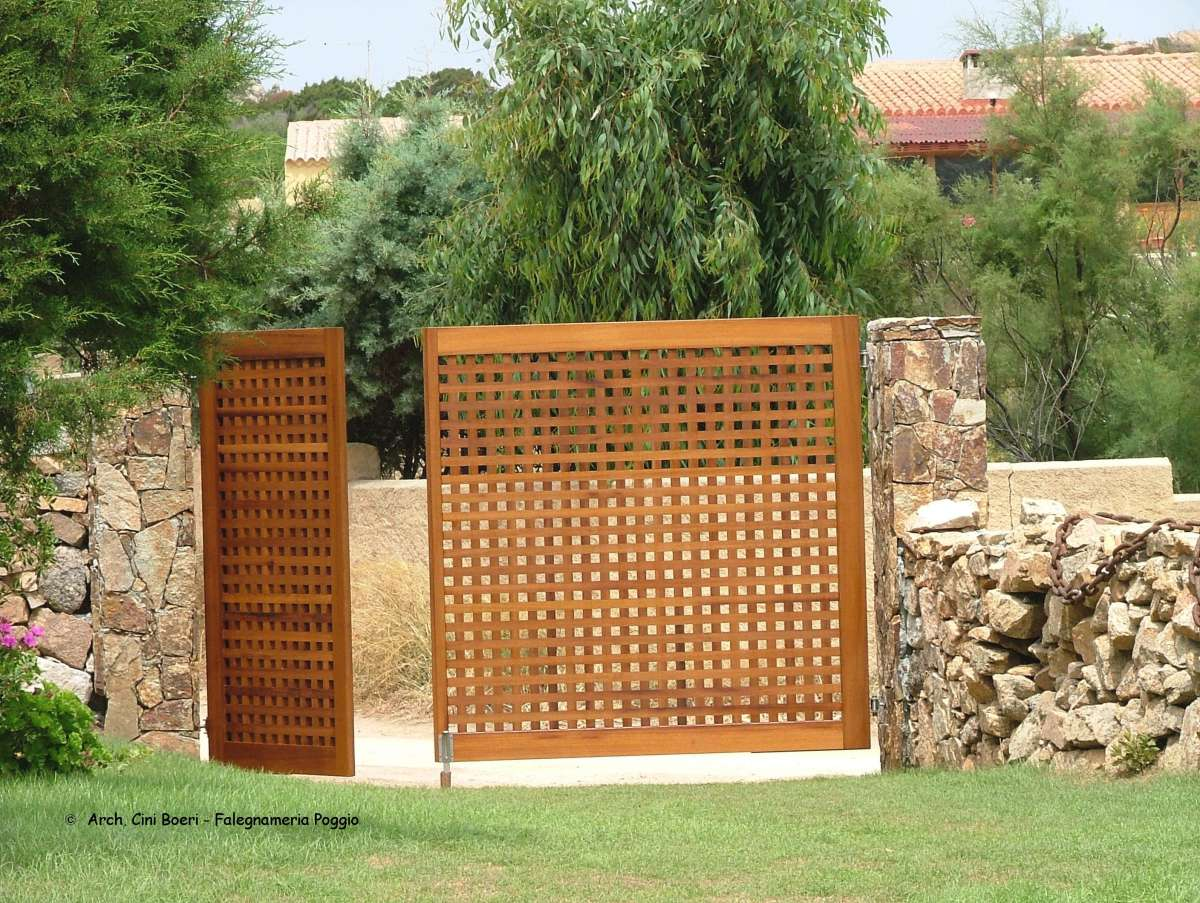 Wooden doors and wooden gates